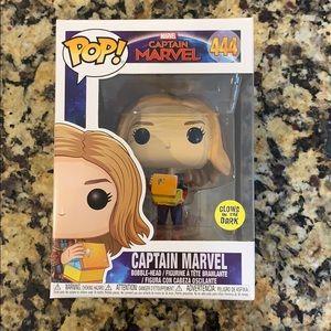 Funko POP Captain Marvel #444 - Glow In The Dark